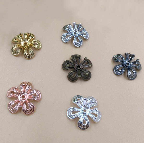 15mm Filigree Flower Charms Spacer Beads End Caps Vintage Bu Yao Rambut Jepit Wraps Links Kosong Temuan Multi-warna Disepuh Kuningan