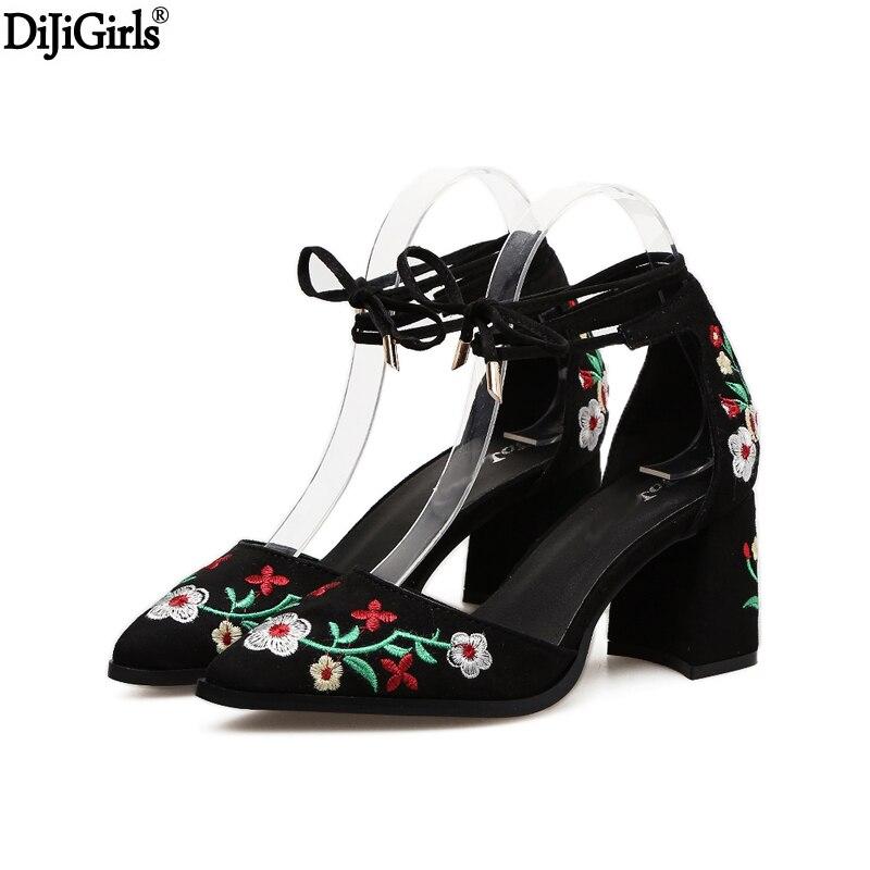Chaussure Femme Talon Frauen Heels Vintage Style Sticken Blume
