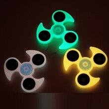 กุหลาบสีแดง/สีเขียวส่องสว่างอยู่ไม่สุขของเล่นพลาสติกEDCมือปั่นสำหรับTri-s Pinnerออทิสติกและสมาธิสั้นมินิอยู่ไม่สุขปั่นของเล่นนิ้วเด็ก
