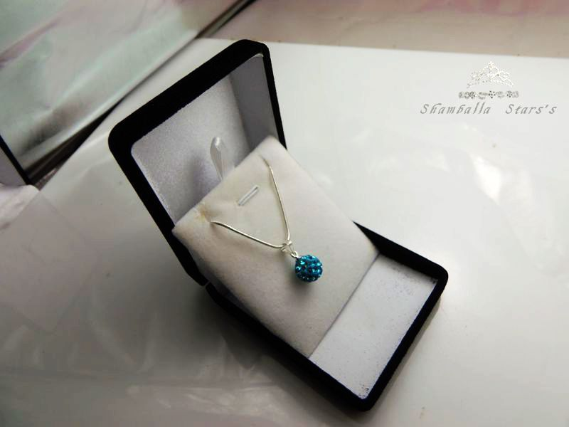 Us 26 98 Wholesales Velvet Gift Boxes Inside White Velvet Necklace Pendant Gift Box In Jewelry Packaging Display From Jewelry Accessories On