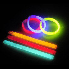 Stick Christmas Party  Glow stick Light Kids Funny Glow Stick Toys Glow in the Dark Fluorescent Bracelet Toy For Kids все цены