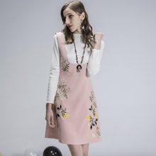 female T-shirt Large size womens 2018 spring new embroidery two-piece suit