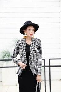 Veste longues manches en tissu noir et blanc, haute qualité 2019 nouvelle mode, impression de motifs, bouton métallique mince, Blazer femme
