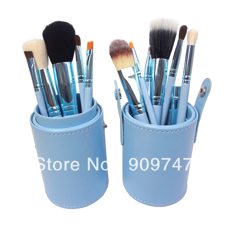 Wholesale Professional cylinder Cosmetic Makeup Brushes kits foundation Make up Tools facial eyeliner eyeshadow brush sets professional bullet style cosmetic make up foundation soft brush golden white