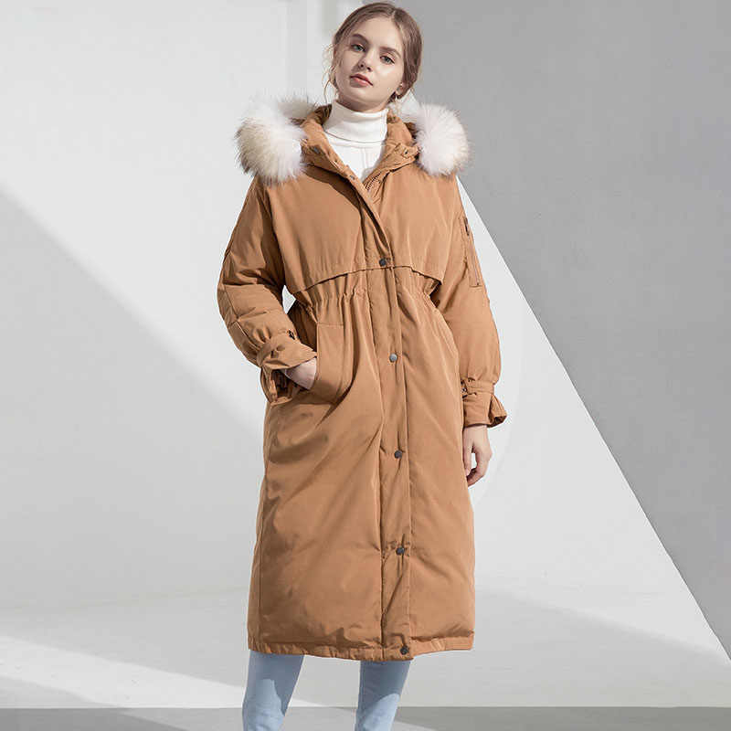 ビッグ本物のアライグマの毛皮 2019 冬のジャケットの女性フード付き女性フード付きルーズコートパーカー厚手ウォームホワイトアヒルダウンジャケット