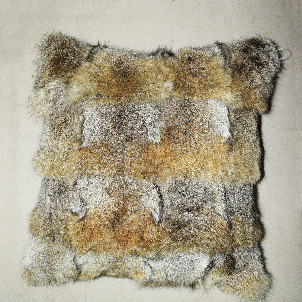 coyote fur cushion e