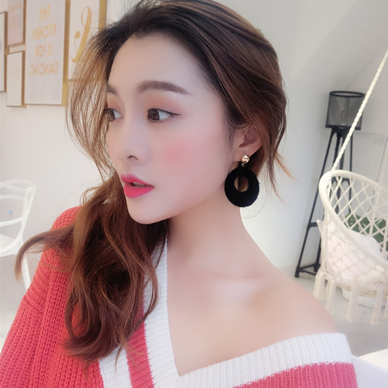 Fashion Woman Round Faux Fur Plush Earrings Studs Fur Ball Drop Earings Girls Lovely Party Gift Wedding Jewelry Trinket Arete in Drop Earrings from Jewelry Accessories