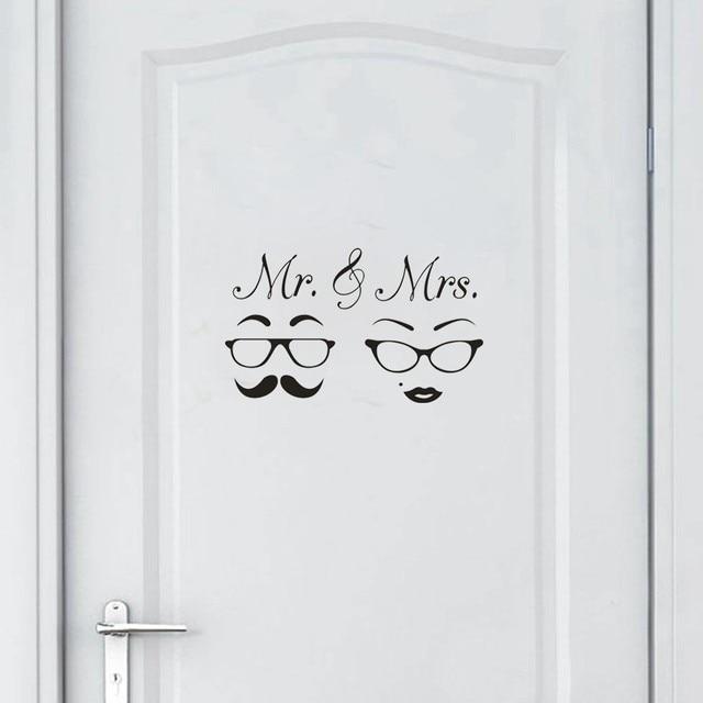 MR & MRS Phim Hoạt Hình Trang Trí Nội Thất Tường Sticker Decal Phòng Ngủ PVC Nghệ Thuật Bức Tranh Tường Không Thấm Nước Có Thể Tháo Rời Tường Decal Cho Cặp Vợ Chồng phòng ngủ