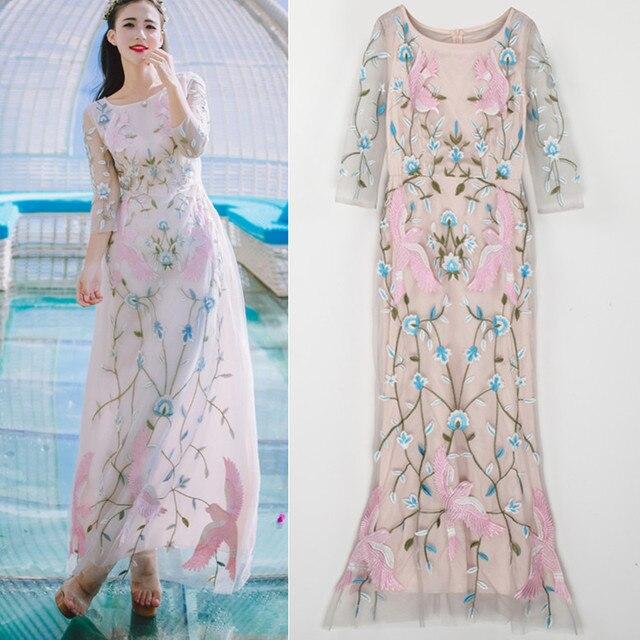 11dd13f27f97f24 Роскошные пляжные повседневные тяжелые Цветочные розовые птицы вышивка  платья женские длинные женские красивые платья летнее праздничное