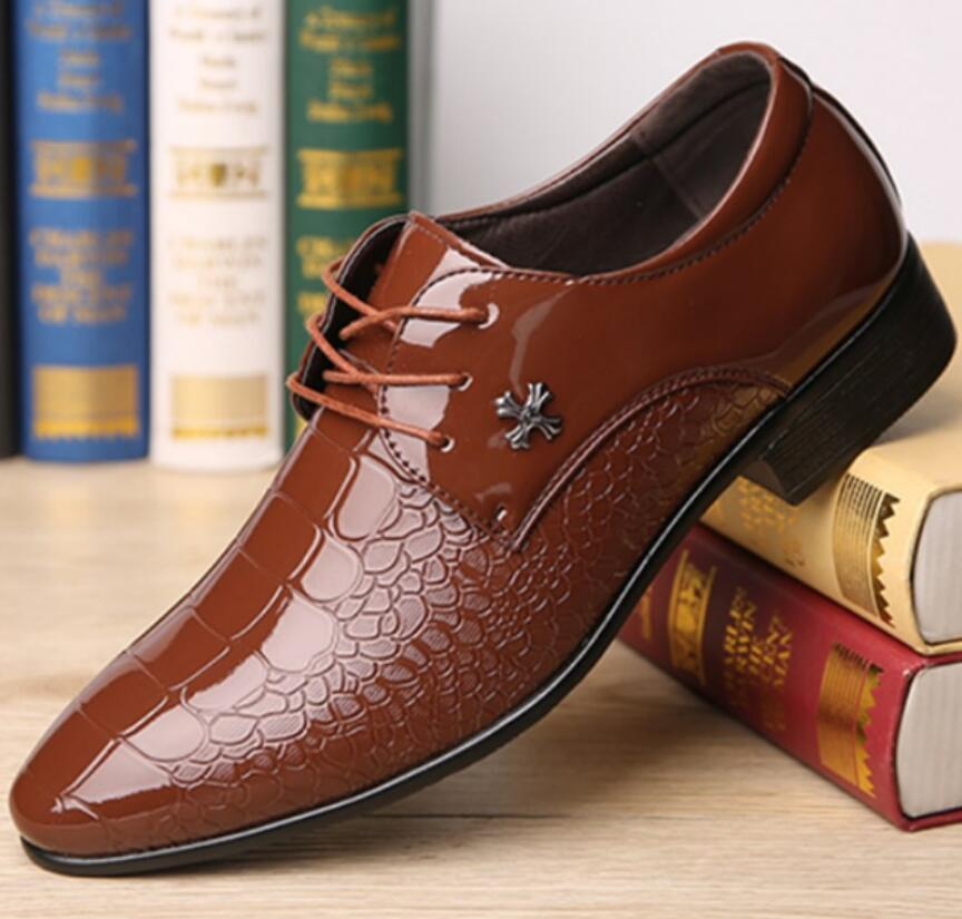 Formal Shoes Breathable Pointed Toe Decent Elegant Formal Men Dress Shoes Italian 2019 Patent Party Leather Office Wedding Shoes Man Oxfords