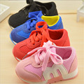 2016 de 0 a 3 años de edad bebé de la manera mocasines niños deportes de las muchachas ocasionales zapatos inferiores suaves zapatos del niño recién nacido niños zapatillas de deporte