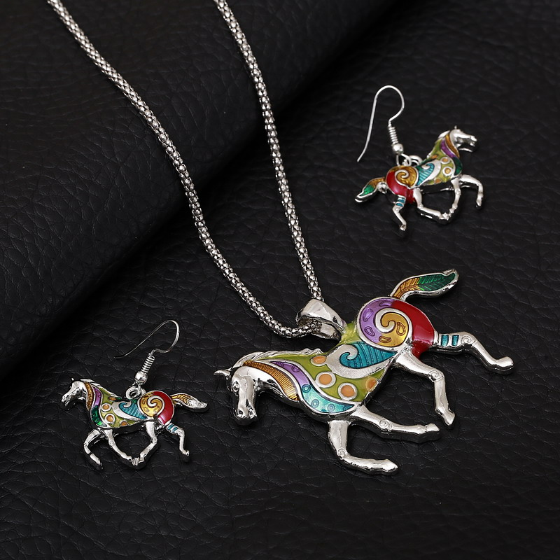 Top Jewelry Accessories Banquet Enamel Jewelry Set Horse Colorful Pendants Collar Fine Vintage Dangle Earrings for Wedding