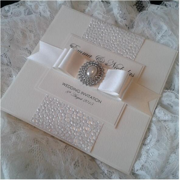 Ideal Luxury Gold/Silver/White Embossed Pebble Wedding Invitations with  ET42