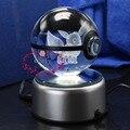 Caliente Populares Ir EEVEE Pokemon Pokeball 3D Grabado Láser Bola de Cristal Con Base de LED como Regalos de Navidad