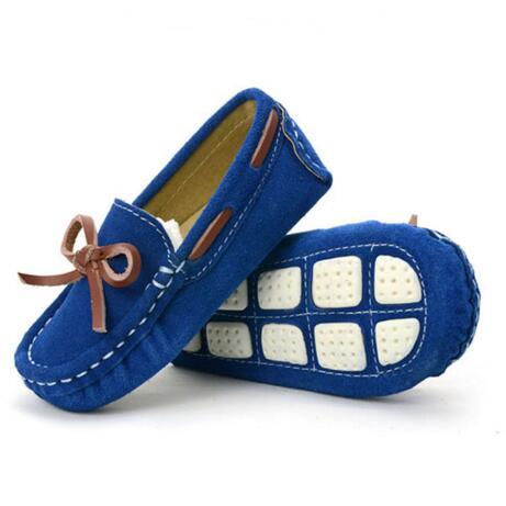 3d271dd183d64 Nouveau printemps automne mocassins enfants chaussures Nubuck cuir sans  lacet mocassins chaussures plates pour enfant noeud papillon bébé enfant en  bas âge ...