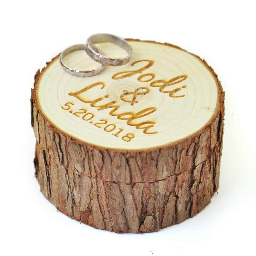 パーソナライズされた木製結婚指輪ボックス名前 & 日付、結婚指輪ベアラボックス、カスタム素朴な結婚指輪ボックス