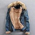 2016 dos homens Novos de Inverno Água Lavado Jaqueta Jeans Adolescentes Além de Veludo Gola De Pele Casaco Denim Jackets Plus Size 4XL