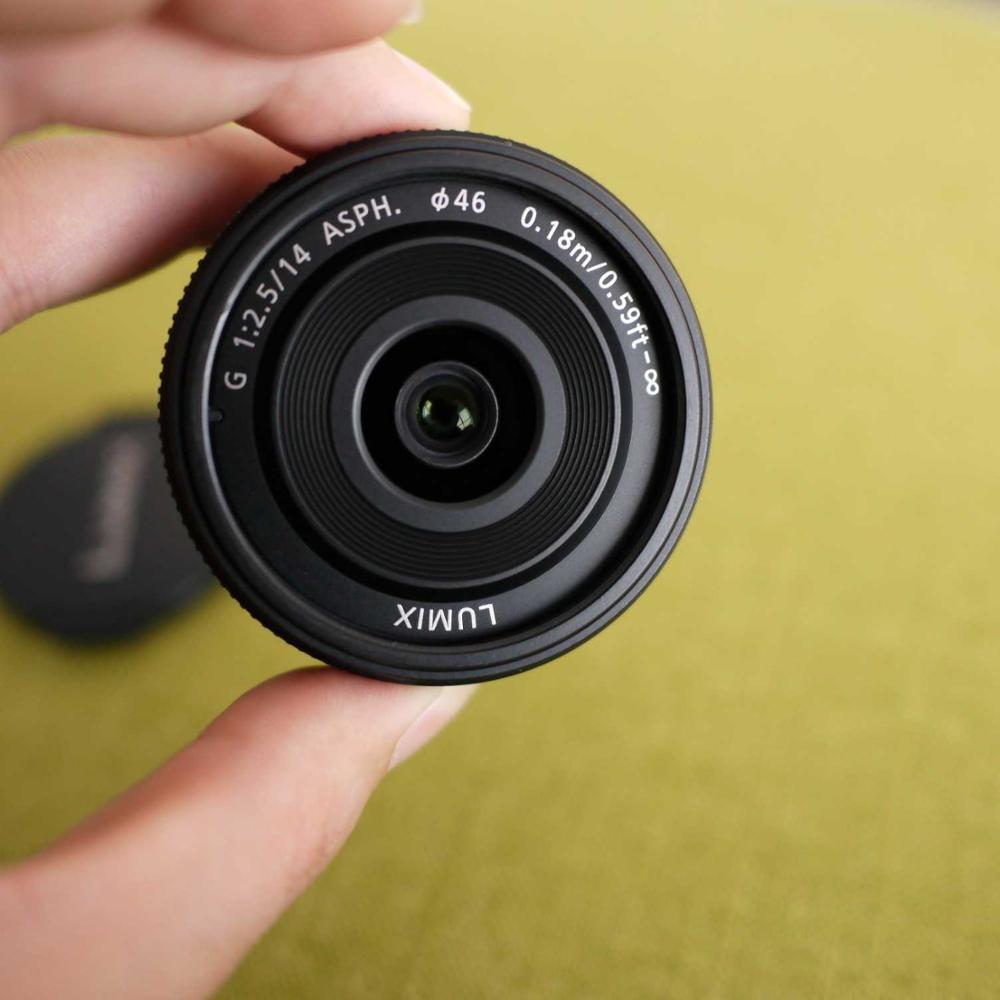 Utiliza Panasonic Lumix G 14mm lente f/2,5