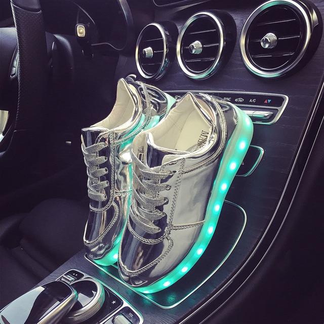 Eur Размер 27-42 7 Цветов Световой Кроссовки Светящиеся Мальчики LED Shoes Девушки Ребенок СВЕТОДИОДНЫЕ Тапочки Light Up Shoes for Men женщины