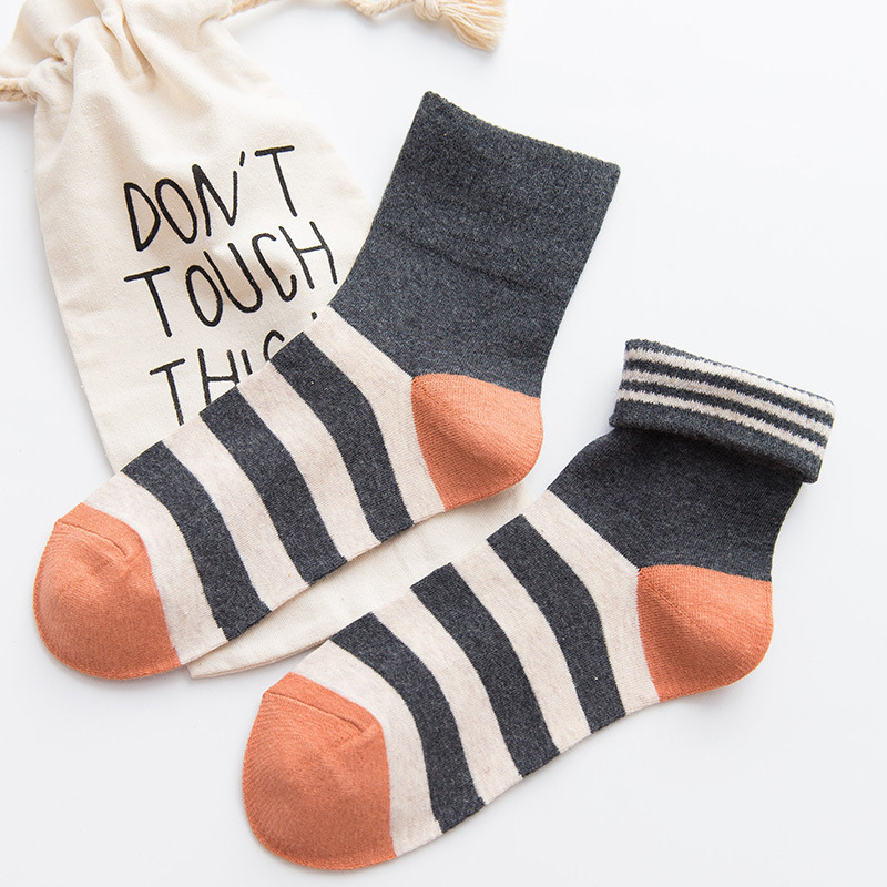 1 Pair New Winter Autumn Wear Cute Candy Colors Striped Cotton Casual Women Girls Warm Short Socks Comfortable Female Socks