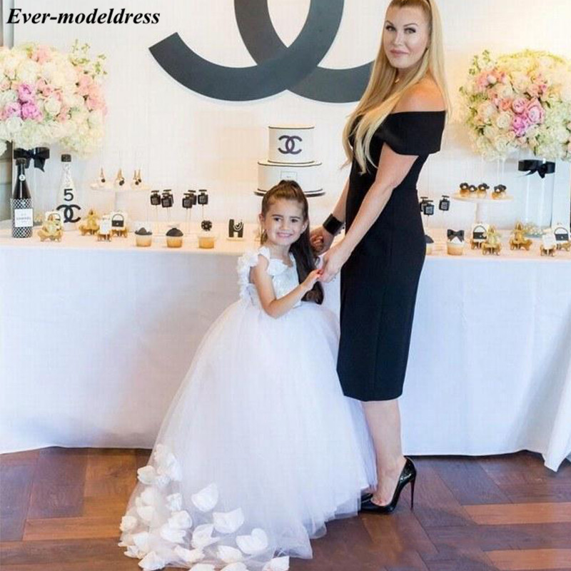 Chic White Tulle First Holy Communion   Dresses   Appliques Ball Gowns   Flower     Girls     Dresses   For Wedding With Hand Made   Flowers   2019