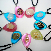 Amber Pendant Gem Stones Birthstone Necklace Transparent Simulated Amber Conch Shell Pendant Necklace Souvenir Wholesale