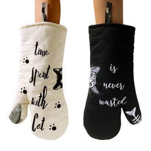 Kitchen Thicken heat resistant Oven Mitts White black cat cooking gloves Non-slip baking gloves oven mittens home Cooking tool