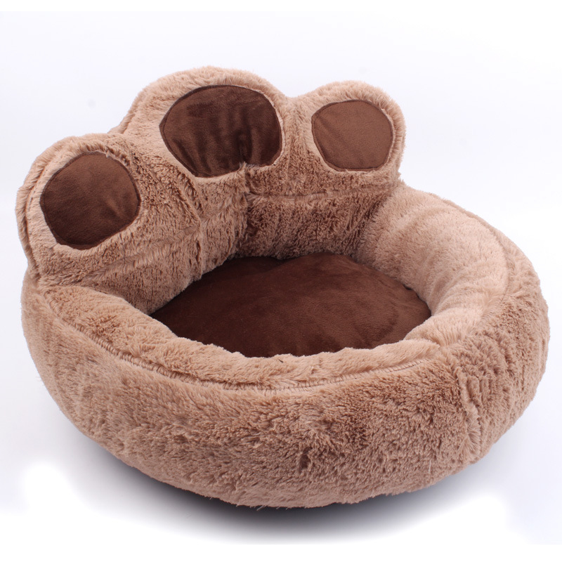 Warm Pet Made of Soft Material for Puppies and Cats for Comfortable Sleeping in Winter