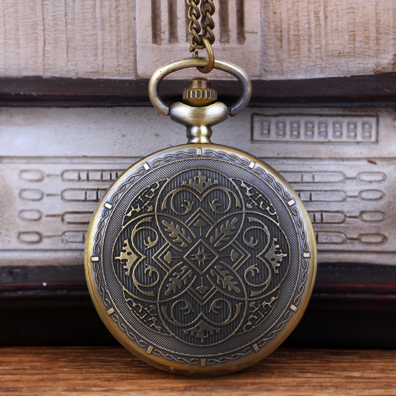 8970 Pocket Watch With Vintage Pattern Bronze Fine Chain Vintage Fine Carved Quartz Pocket Watch With Necklace For Men And Women