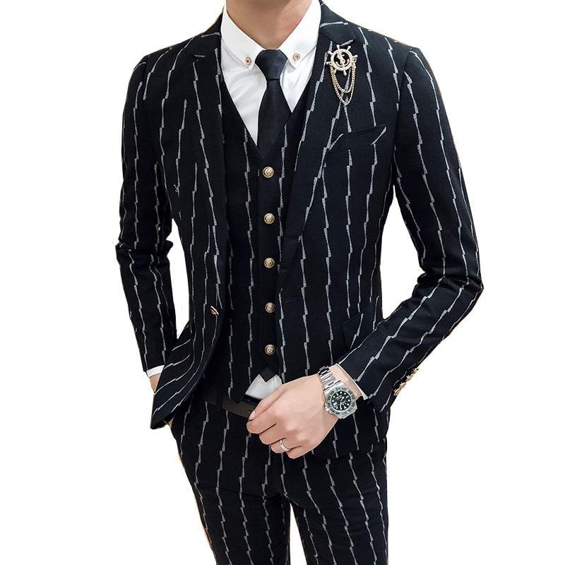 Новинка 2019, мужские костюмы, костюм джентльмена в британском стиле (Блейзер + жилет + брюки), полосатый высококачественный модный костюм с пр...