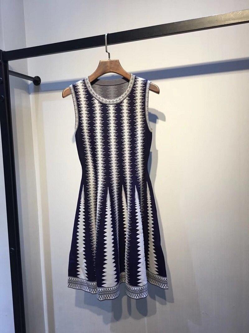 2019 الصيف ثوب جديد المرأة محبوك أكمام محبوك ضئيلة اللباس 2 اللون DCaress-في فساتين من ملابس نسائية على  مجموعة 1