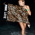 O envio gratuito de leopardo ROSA VS toalha de praia da moda AMOR ROSA esteiras longas venda quente