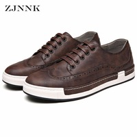 New Spring Autumn Men Flats Fashion PU Leather Brogue Shoes Soft Casual Bullock Zapatos Hombre Trendy