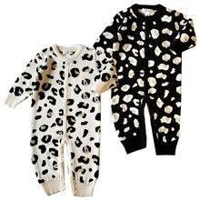 Детские Для мальчиков и девочек леопардовым принтом Комбинезоны для малышек 2018 весна-осень новорожденных вязаный свитер ползунки уличная одежда на Рождество Комбинезоны для женщин