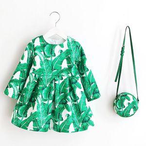 Image 3 - Sukienka z długim rękawem sukienka świąteczna dla dziewczynki 2019 jesienno zimowa sukienka z kwiatowym nadrukiem maluch sukienki dla dziewczynek ubrania dla dzieci sukienka dla dzieci z torbą
