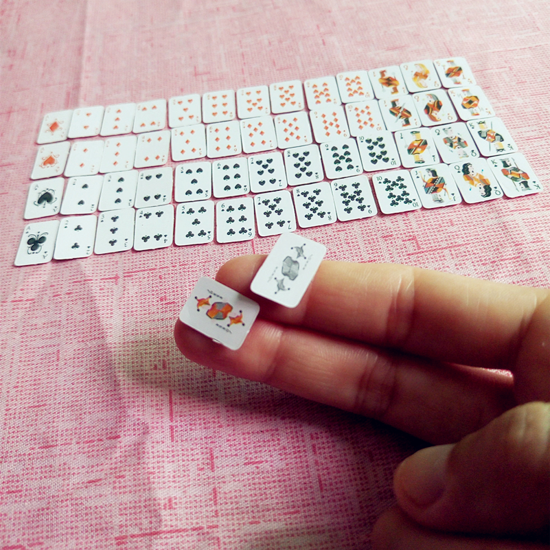 Maison de poupées cartes à jouer