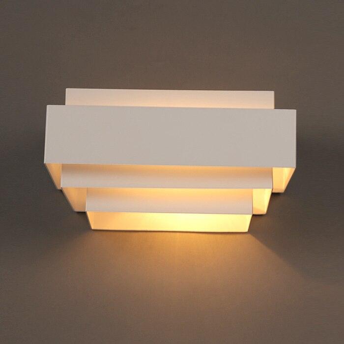 Acquista moderno scatola bianca lampade da parete camera da letto comodino for Lampade da bagno a parete