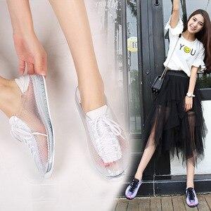 Image 2 - Swyovy zapatillas de deporte con cristales para mujer, zapatos femeninos de plástico brillante, informales, para otoño, 2018
