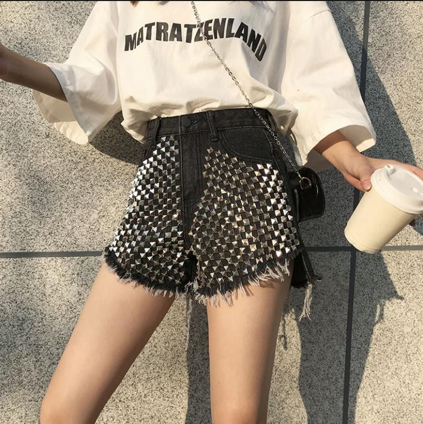 2019 New Womens Vintage High Waist Cuffed Jeans Shorts Girls Rivet Denim Shorts Street Wear Ladies Casual Sexy Booty Shorts
