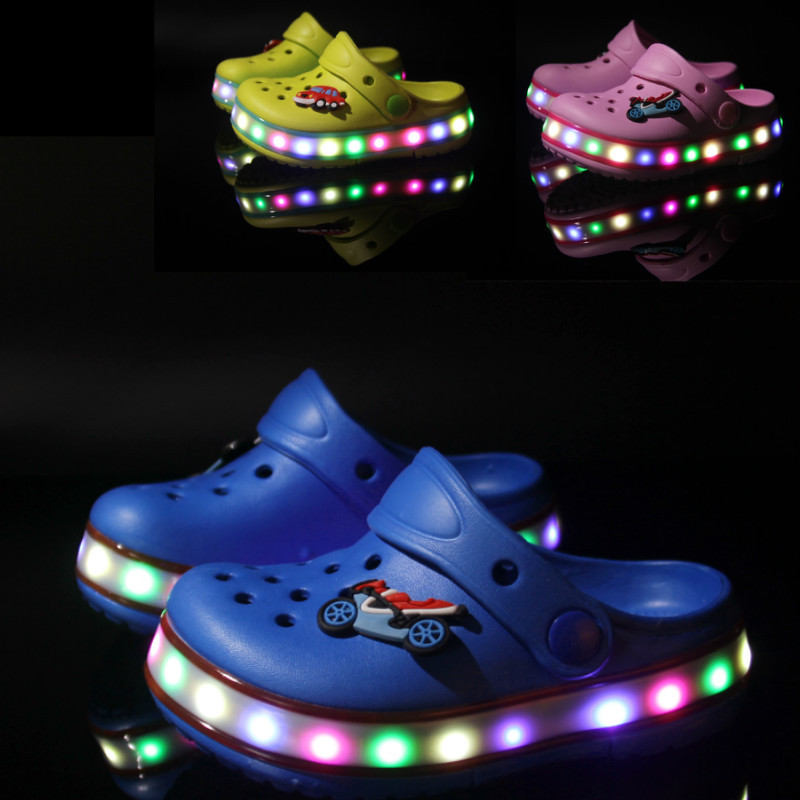 2017 quality summer childrens sandals LED Lighted Flashing boys girls beach sandals kids shoes sandal EVA bus cartoon sandal