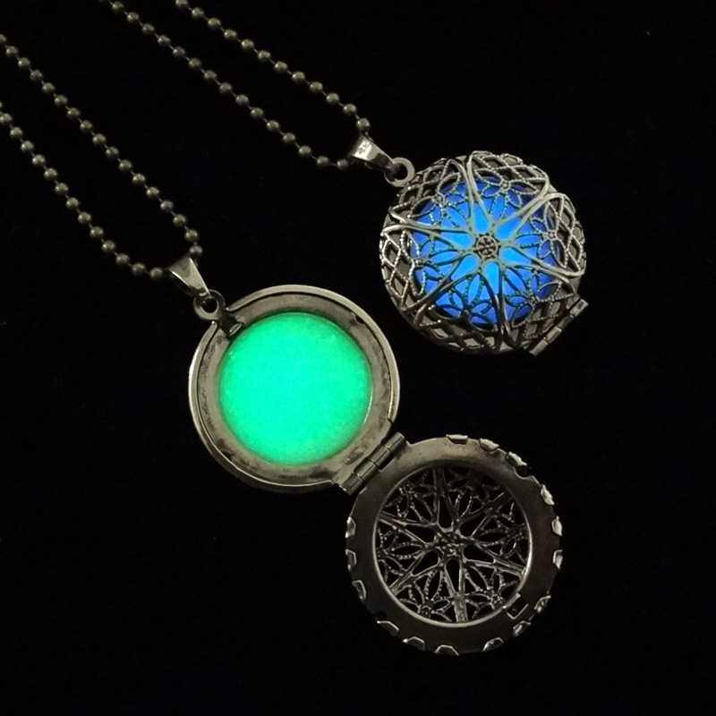 Vintage Steampunk Antique Bronze Round Locket Glowing Luminous Necklaces Hollow Glow In The Dark Pendant Necklaces Black Friday