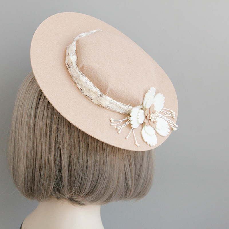 Pink Women Fedora Hat 2018 Autumn Winter Vintage Brimless Flat Plain  Appliques Lace Girls Fashion Party Elegant Cute Fedora Hat-in Fedoras from  Apparel ... 7248ea62e496