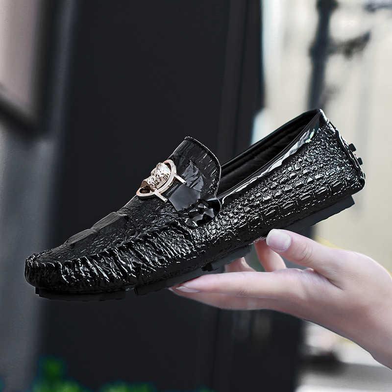 ผู้ชายชุดรองเท้า Luxury Loafers หนังรองเท้าแตะงานแต่งงานลื่นขี้เกียจรองเท้าขับรถแบนรองเท้าชาย Gommino Zapatos