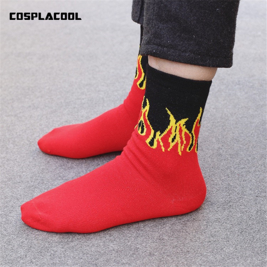 Unisex Fashion Hip Hop Design Red Flame Pattern Crew   Socks   Lifelike Jacquard Fire   Socks   Classic Street Skateboard Long   Socks