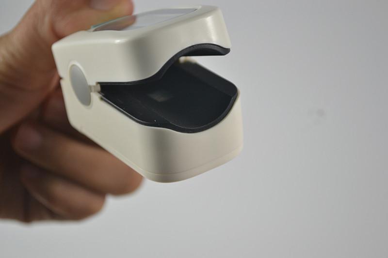 CE FDA approved Finger Oximetro de dedo Fingertip Pulse Oximeter Blood Oxygen SpO2 Saturation Monitor Heart Rate Monitor (4)