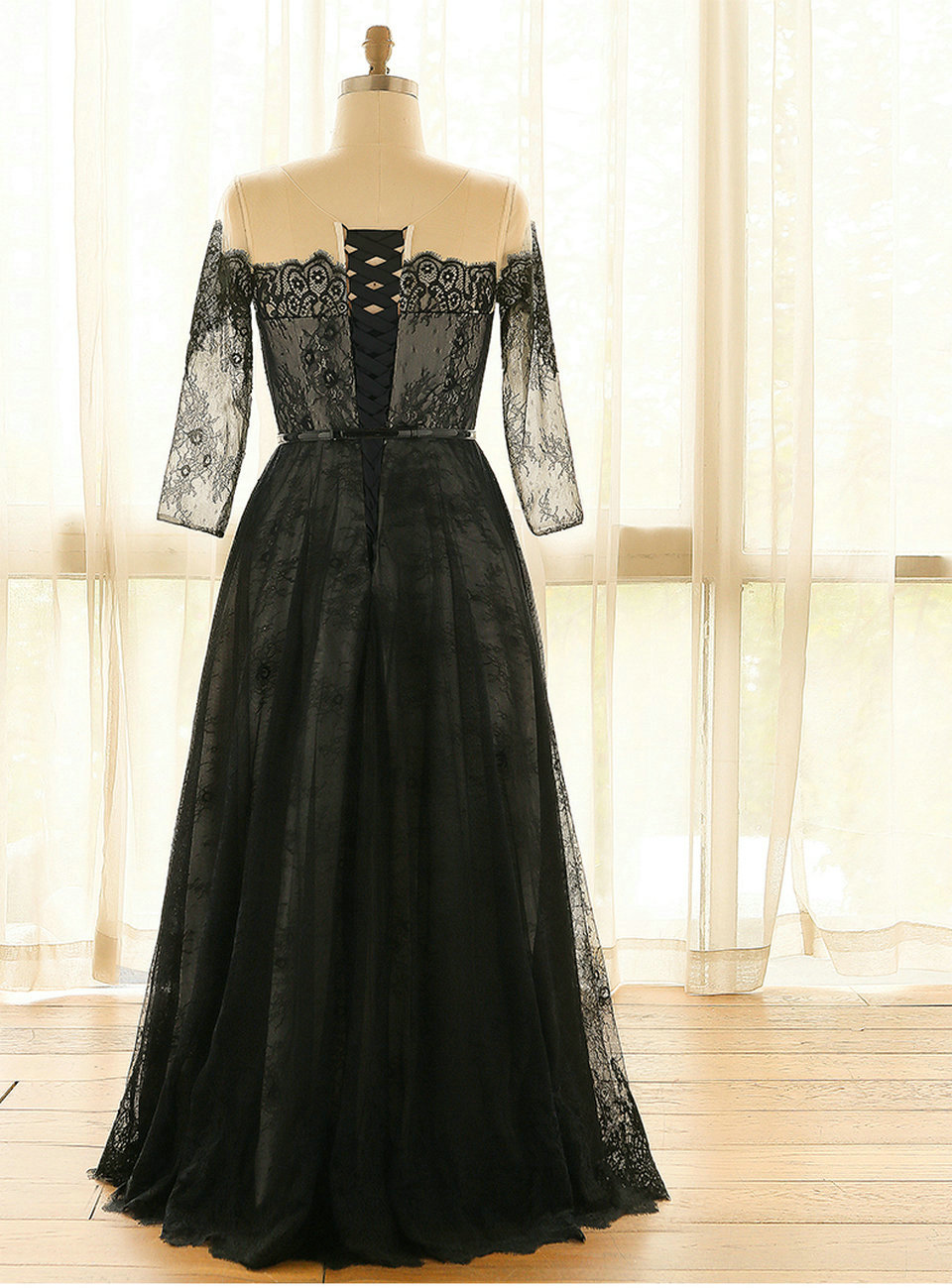 a9387f614f4 Fashion Plus Size Black Evening Dresses Long 2018 Formal Evening Gowns Boat  Neck Full Sleeve Lace Up Sexy Woman Party Dress Prom