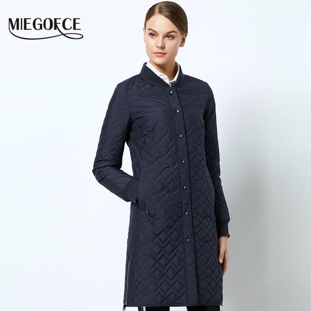 Весеннее женское пальто простой стиль теплая парка тщатильная прошивка ветрозащитная женская куртка Новая коллекция MIEGOFCE 2018