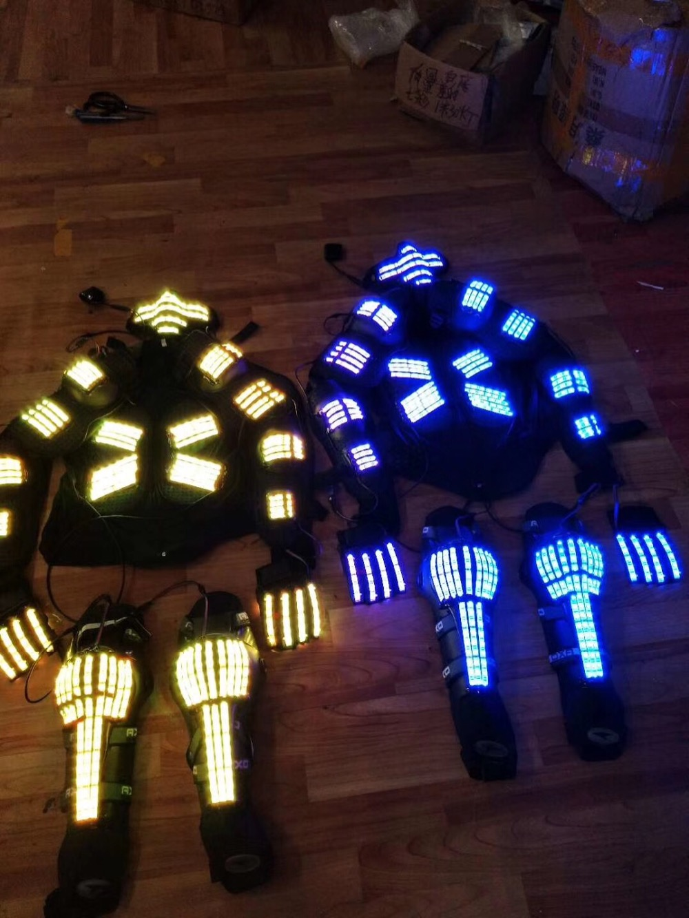 Новое поступление светодиодный костюм праздничный вечерние поставки люминесцентный светящийся костюмы/выступлений/костюм робота