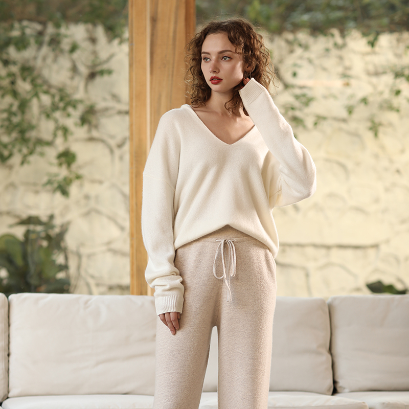 2019 New Autumn Winter Solid Sweater Jumper Pullover Long Sleeve Soft 100 Cashmere Sweaters Deep V