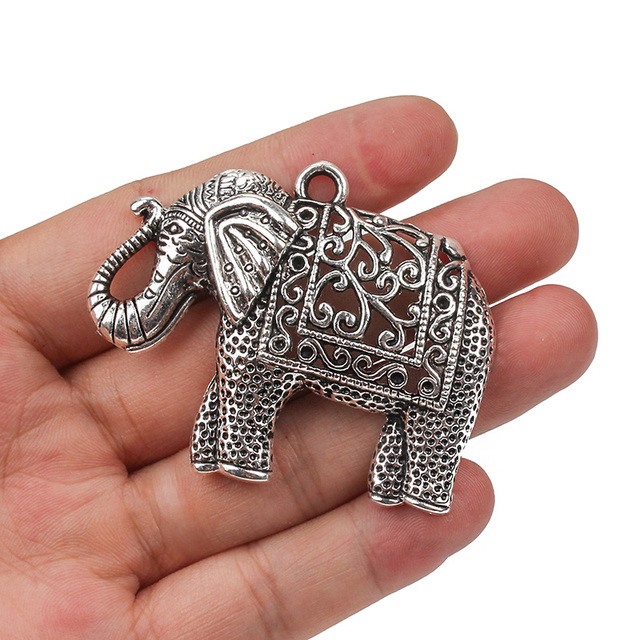 1PC Antique Silver Alloy Metal Hollow Out Elephant Animal Charms Pendants Jewelr
